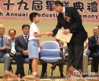 """从TVB当红小生到自闭症孩子父亲,一个""""二百分爸爸""""的养儿心得"""