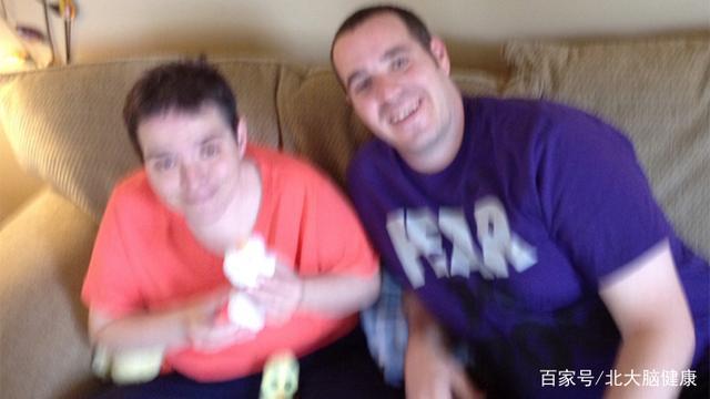 自闭症姐姐因癌症去世,我想分享与她相处16年的人生体验