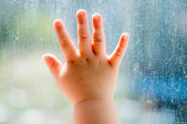 怎样确定孩子是不是自闭症?